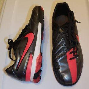 Rare find Nike T90 size 9